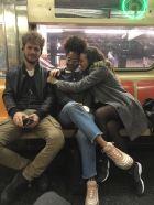 en el subway con amigos